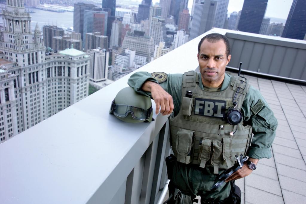 FBI SWAT agent